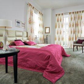 Dame_M_Schlafzimmer